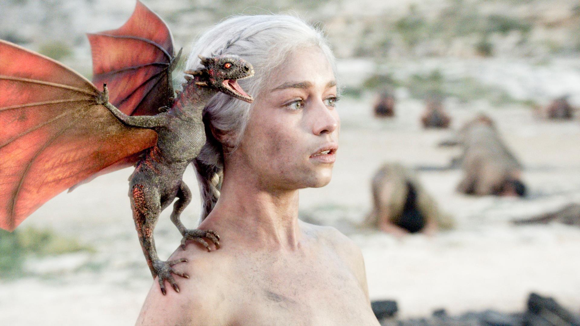 Game of Thrones Wallpaper – Daenerys Targaryen